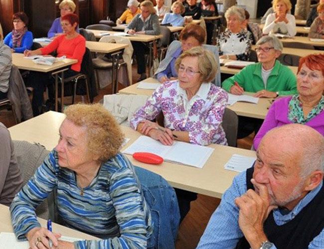 آموزش سواد مالی به کارگران و برنامهریزی مالی برای بازنشستگی